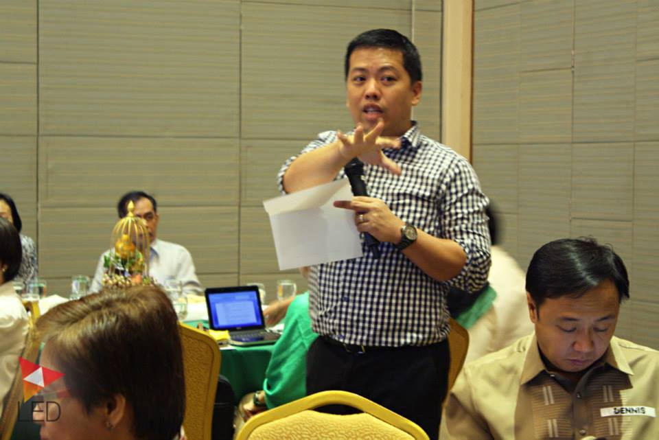 Mr. Canares during a workshop with LED focal persons coming from the 9 participating provinces.